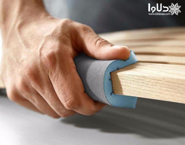 نگهداری از ظروف چوبی با سمباده کشیدن
