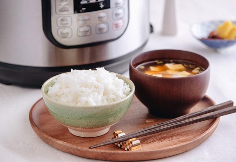 پخت برنج در پلوپز
